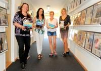 forlag-fire-damer-i-gangen-200x140